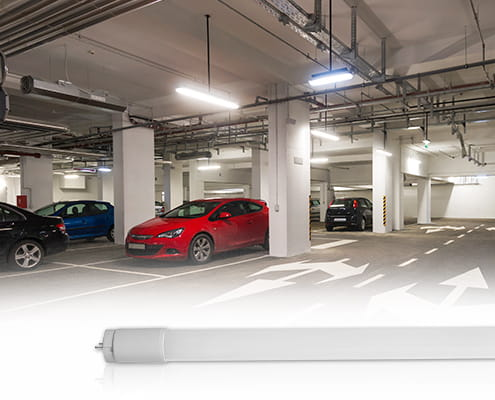 Lâmpada LED Tubular no Estacionamento